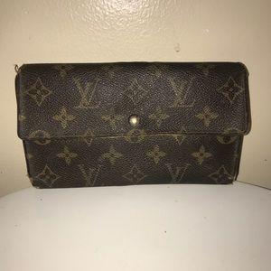 Authentic Louis Vuitton Porte international wallet